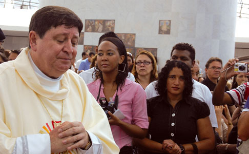 Dom João Braz de Aviz in the Cathedral of Brasilia [© Father Sergio Durigon]