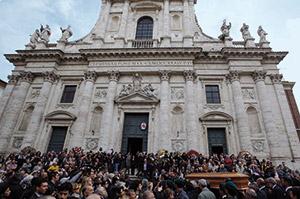 San Giovanni Battista dei Fiorentini a Roma, quando si sono celebrati i funerali del senatore Andreotti il 7 maggio scorso